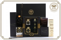 Black  Gold Mini Moet Deluxe Gift Hamper.jpg