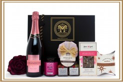 CHANDON ROSE & GOURMET CHRISTMAS GIFT HAMPER